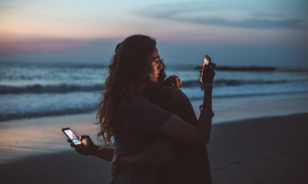 Loi littoral & antenne-relai : attention, chérie, ça va couper ⛵📶